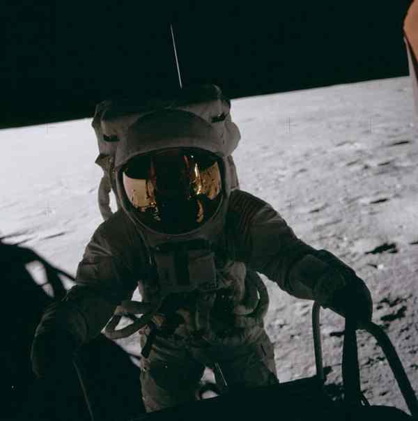 Apollo 12 nasa mission moon landing