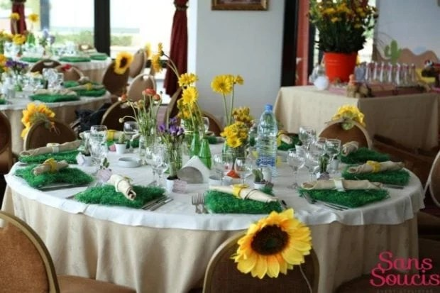 boys-cowboy-themed-baby-shower-party-table-decor-ideas