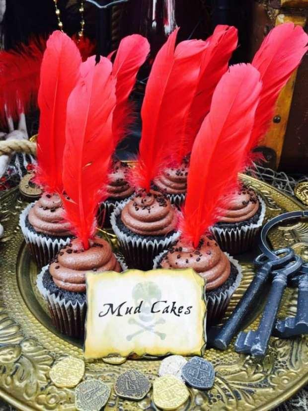 Boy's Pirate Themed Birthday Cupcakes