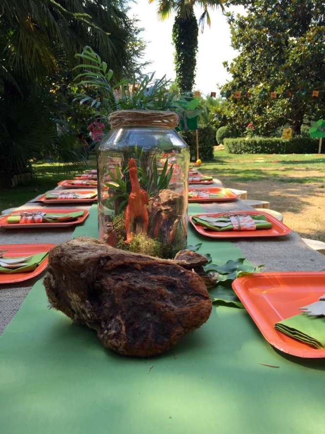Dinosaurs Theme Birthday Party We Can Make Some Additional Decorations That Will Coordinate With The Such As