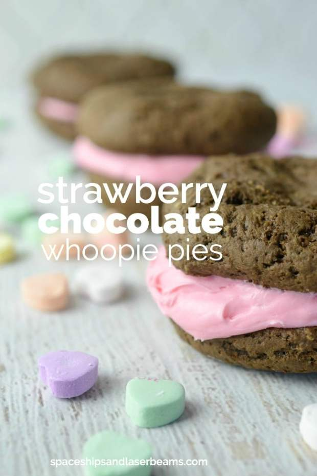 strawberry-chocolate-whoopie-pies