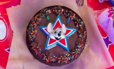 Chuck E Cheese Birthday Cake