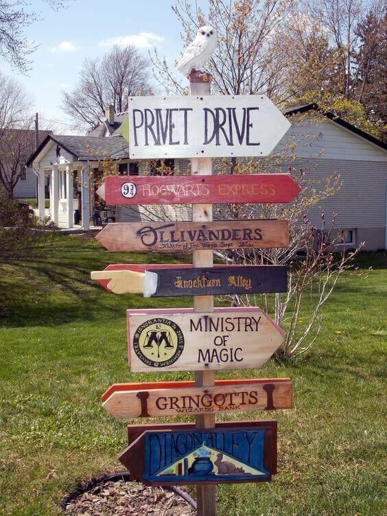 This amazing Harry Potter Sign is the perfect décor to help guests find Hogwarts... and the party.