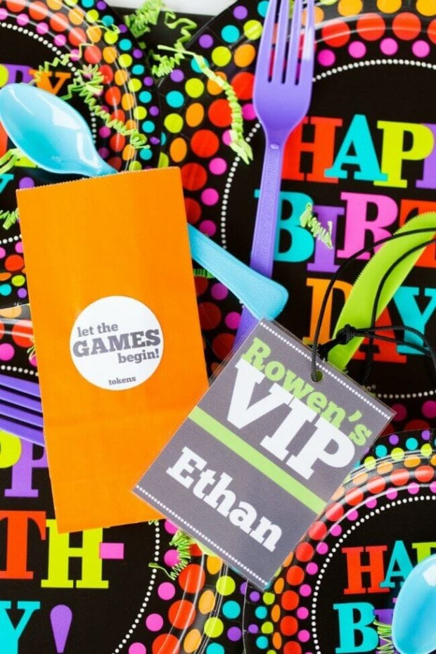 A Customized Chuck E Cheese Birthday Party