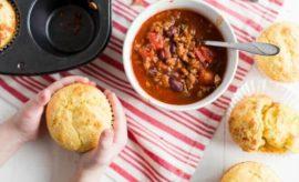 Hearty Chili and Cornbread Muffins