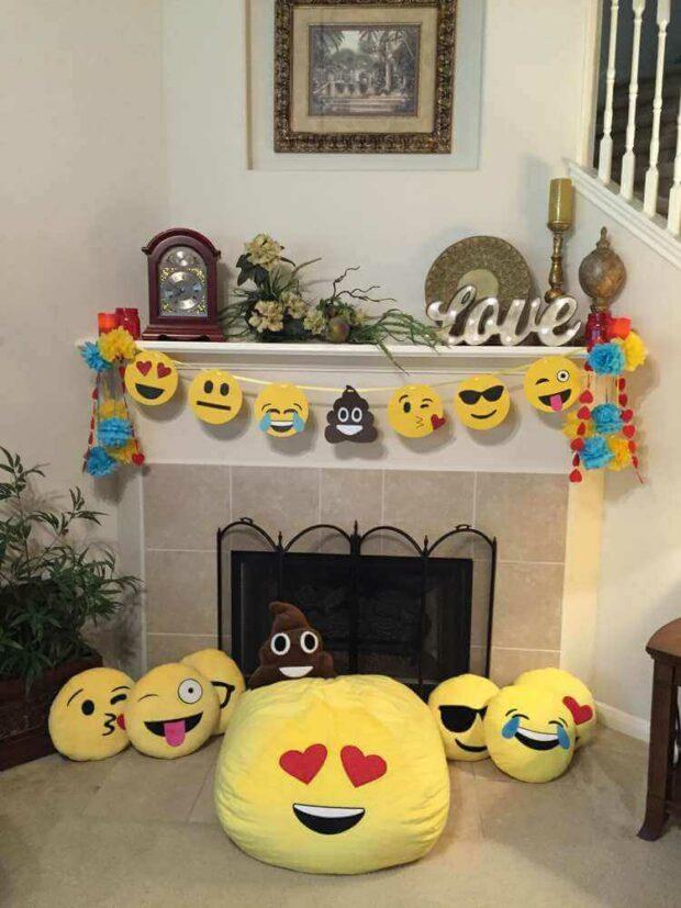paper emoji garland