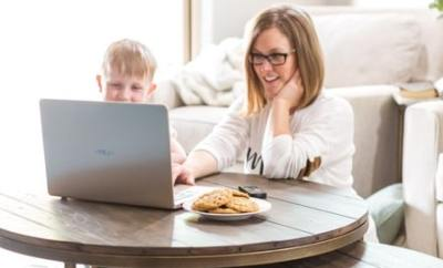How to Keep Kids Safe Online Featured