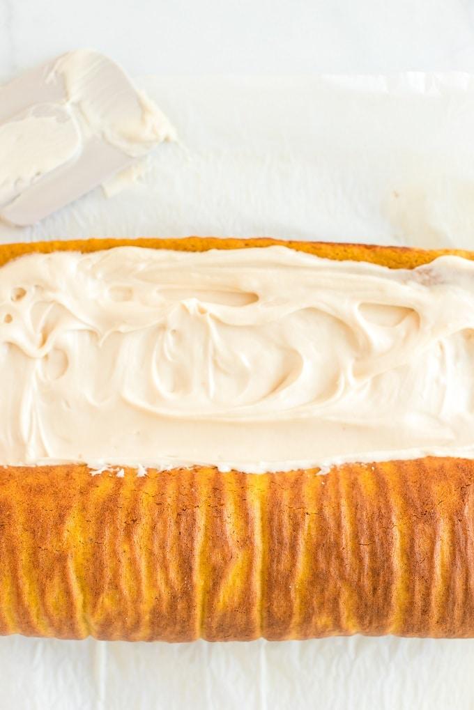 How to Make a Pumpkin Roll Recipe