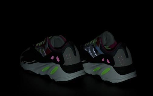 Кроссовки женские Adidas Yeezy Boost 700 Kaws • Space Shop UA