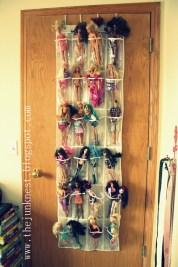 http://thejunknest.blogspot.ca/2012/05/barbie-over-door-organizer.html