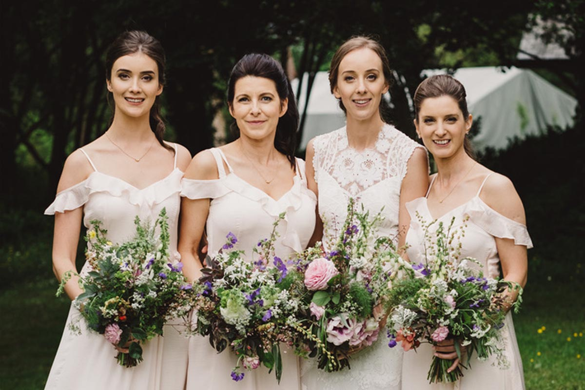 Summer bridal party with sustainable & organically grown local wedding flowers