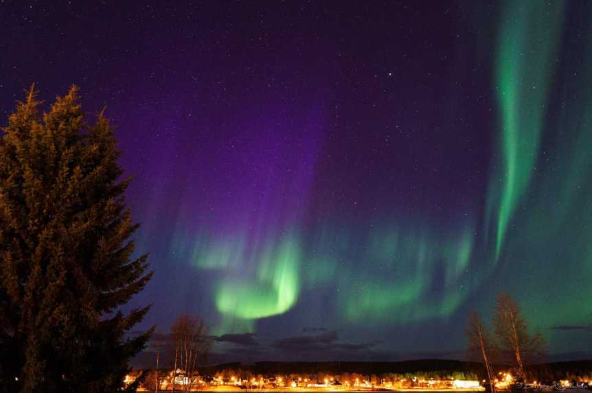 See the Northern Lights in Sweden - Photo by Béatrice Karjalainen via Flickr
