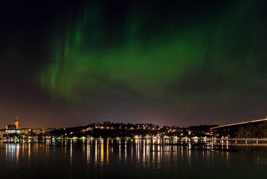 Northern Lights in Stockholm, Sweden - Nick Leppänen Larsson via Flickr