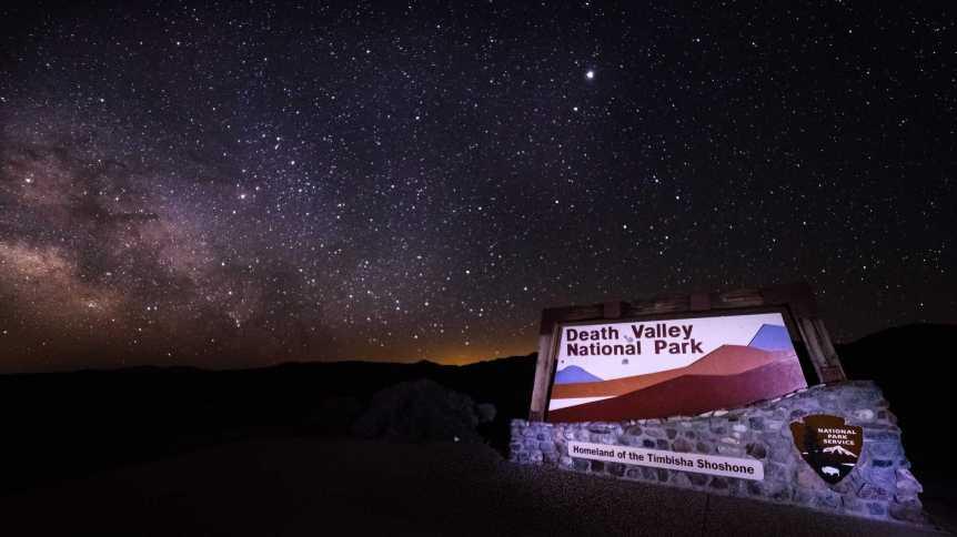 Death Valley - Mobilus In Mobili via Flickr