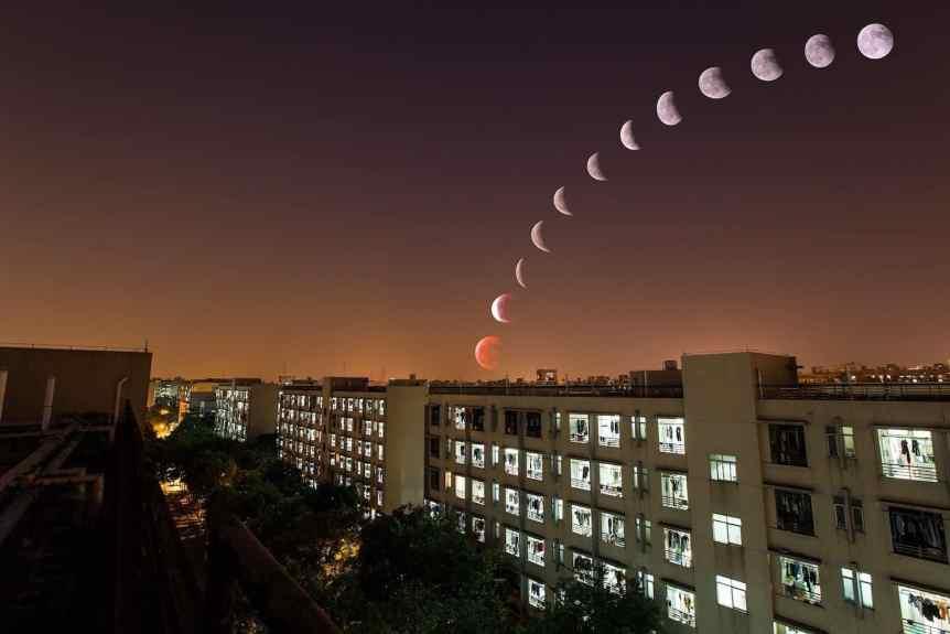 2019 Lunar Eclipse - Lunar Eclipse Over City