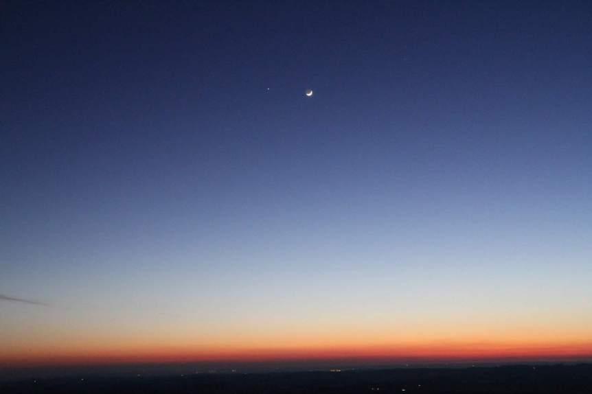 Close Approach of Jupiter & Moon - Mark Kent via Flickr