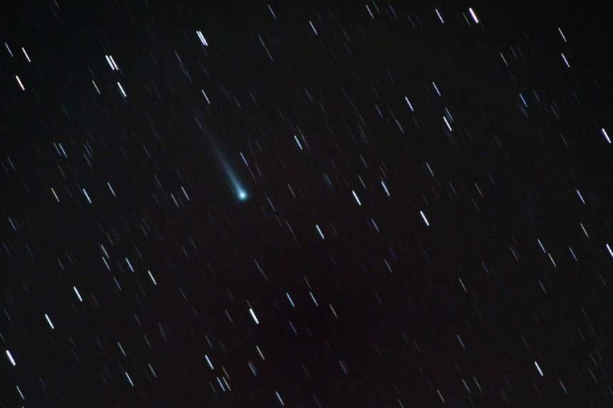 Night Sky December - Comet - theilr via Flickr