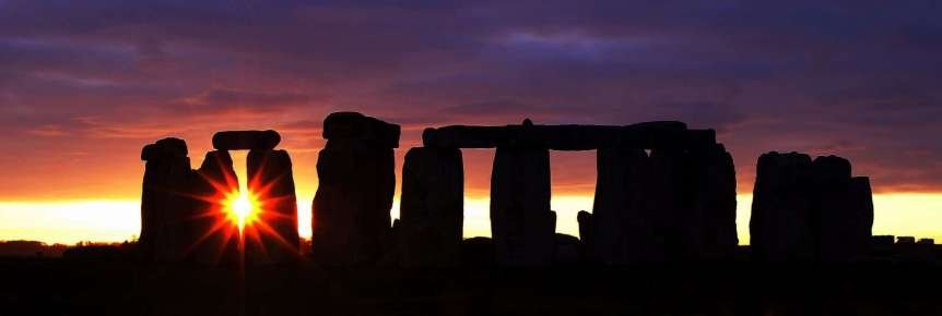 Winter Solstice at Stonehenge - Peter Trimming via Flickr