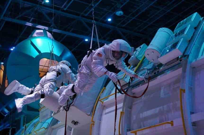 Space Camp - Spacewalk