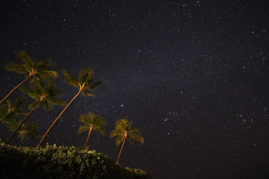 Stargazing on Maui - Rodrigo Sala via Flickr