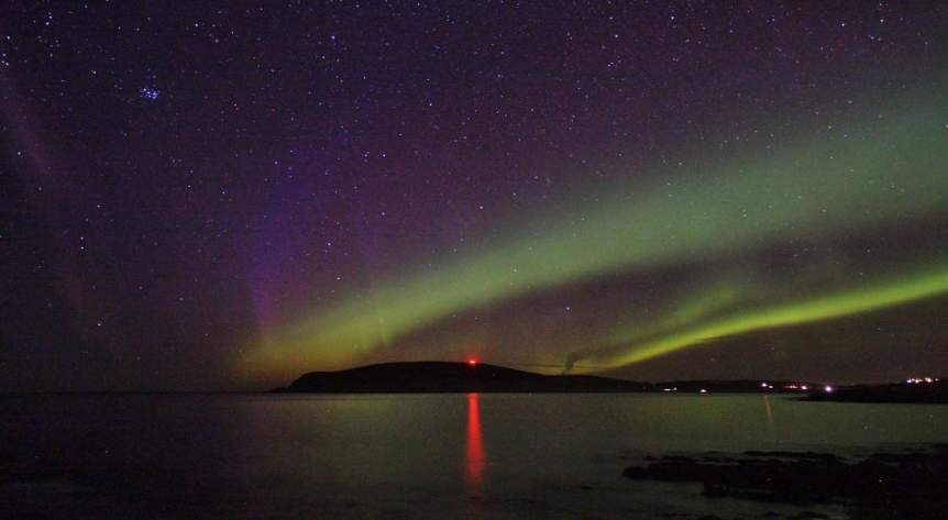 Northern Lights in Scotland - Shetland - Ronnie Robertson via Flickr