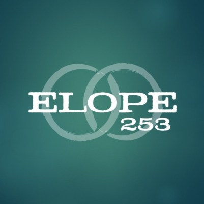 Rochelle Bergstrom Started Elope 253 to Provide Small, Intimate Weddings in Tacoma