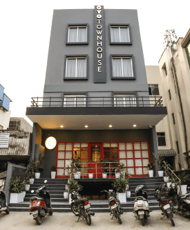 guesthouses leased in delhi and gurgaon to oyo townhouse motels