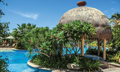 喜来登度假酒店落户三亚白色海滩