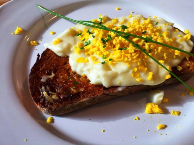 Eggs a La Goldenrod