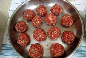 visitors_photos_jo_extra_05_meatballs_in_pan