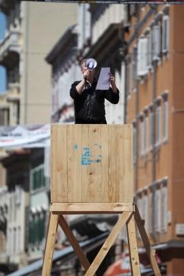 Zoran Pavelić: Roll Call 2013, performance, Korzo – in front of the Mali Salon
