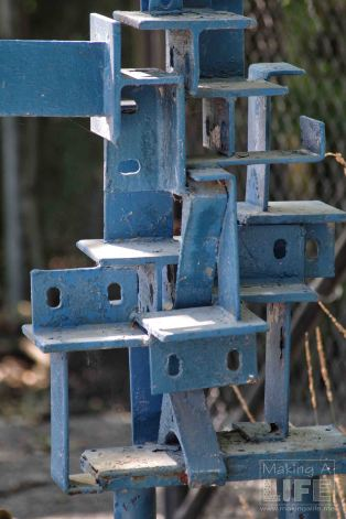Sculptures at Safari Niagara