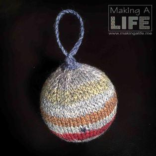 christmas-balls-7b_making-a-life