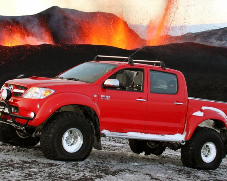 Toyota-Hilux-Iceland-volcano-2