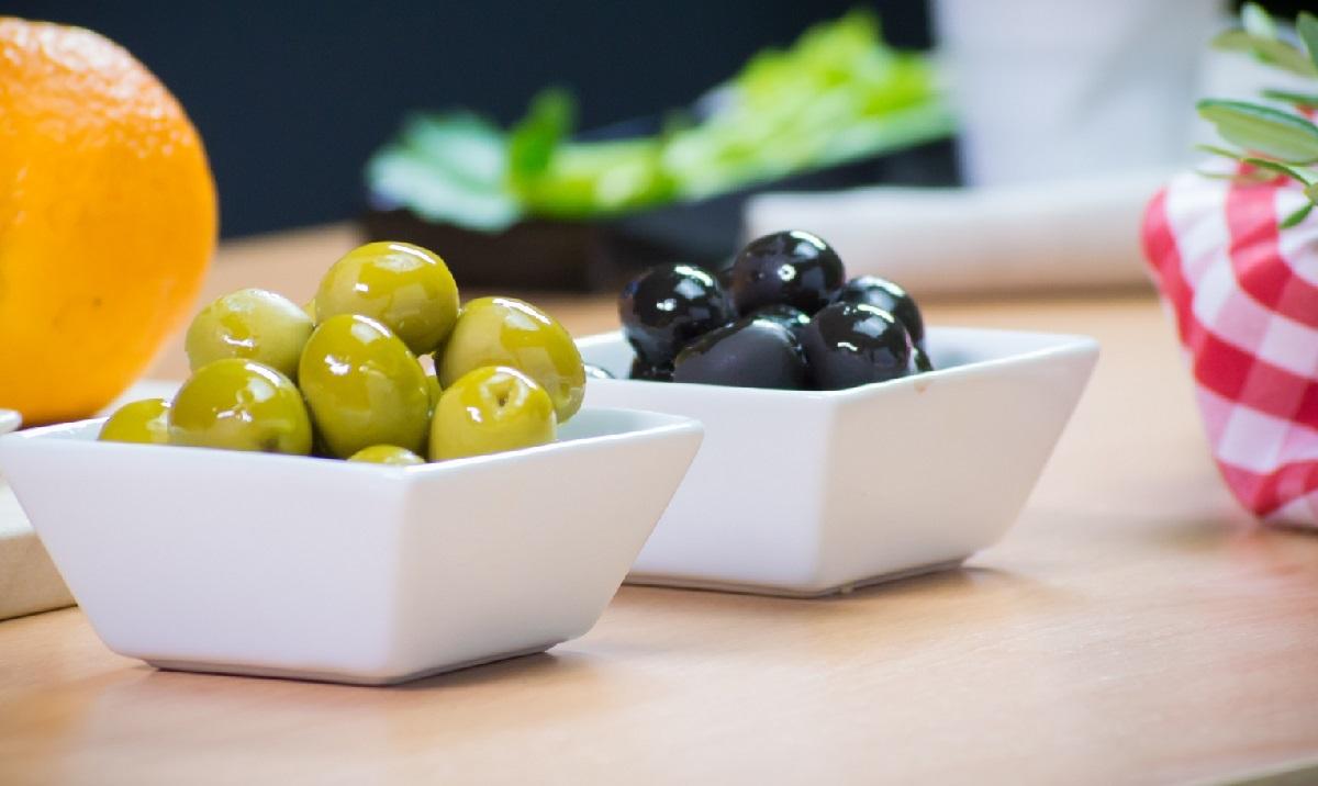 Всегда держи в шкафу испанские оливки и маслины!