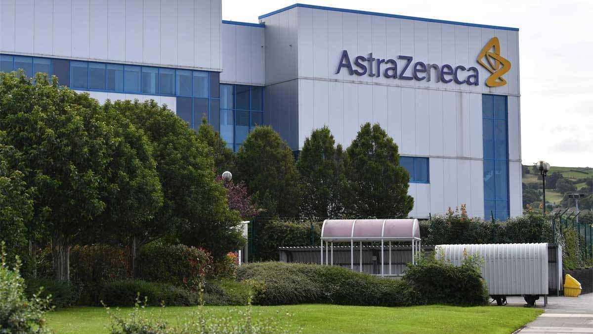 Escándalo AstraZeneca: stock oculto de 30 millones de vacunas en Italia para aumentar la puja