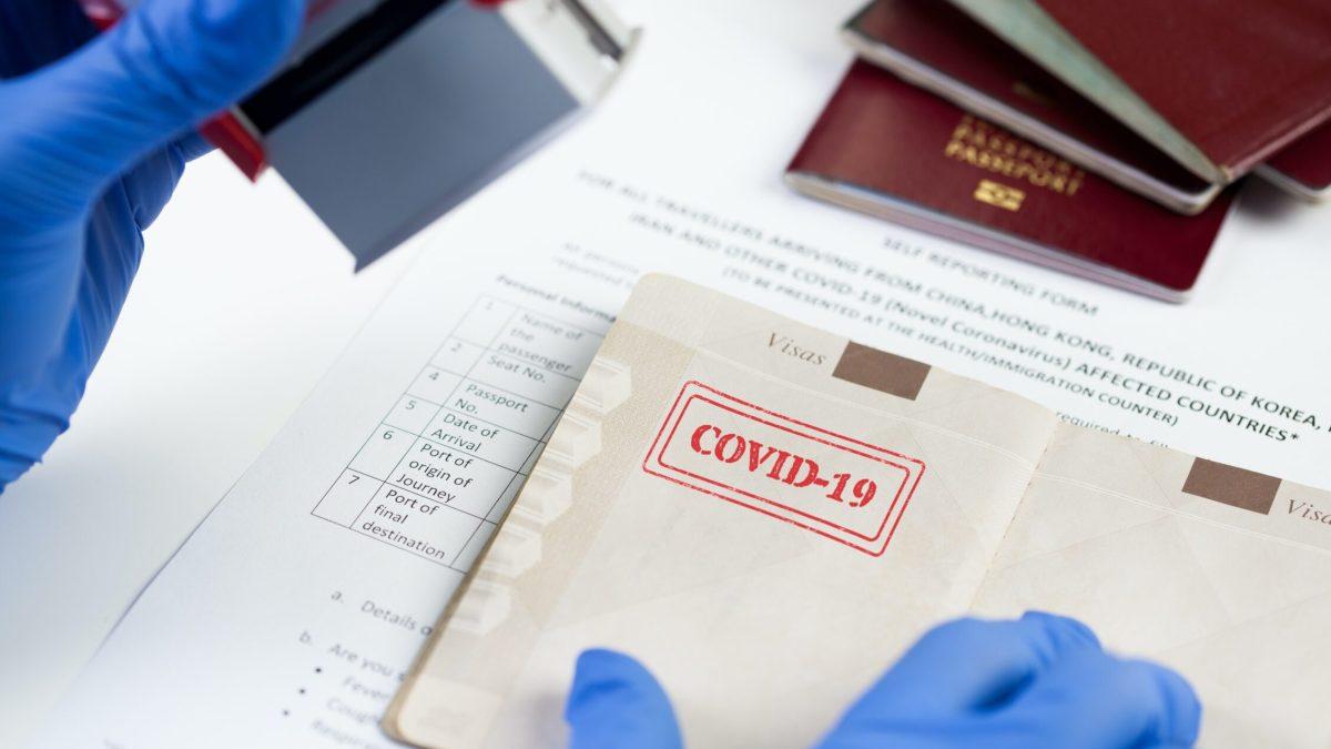¿Vulnera derechos el pasaporte de vacunación contra la covid-19?