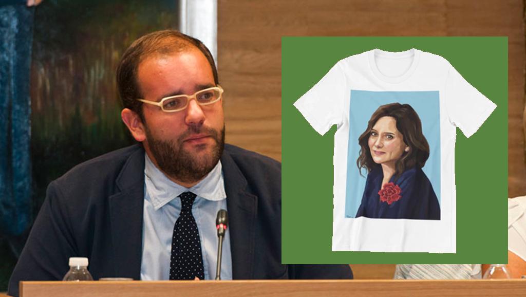 Un concejal del PP imputado por corrupción oculta su identidad para vender ropa con la imagen de Ayuso