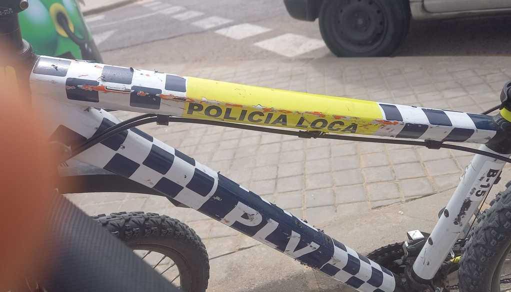 La «policía loca» y la Ley Mordaza: multan a un jubilado por reírse de una bicicleta