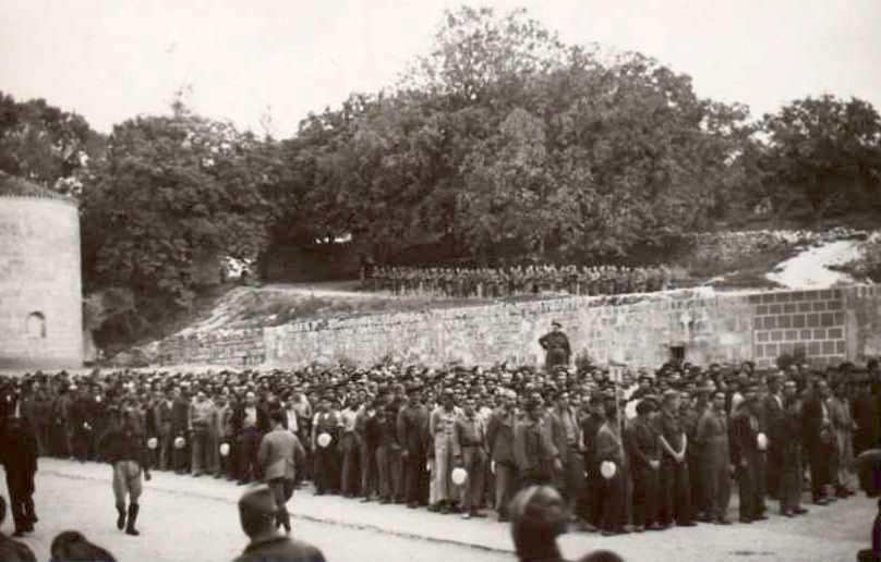 International prisoners assembled in the courtyard of San Pedro de Cardeña, 22 September 1938