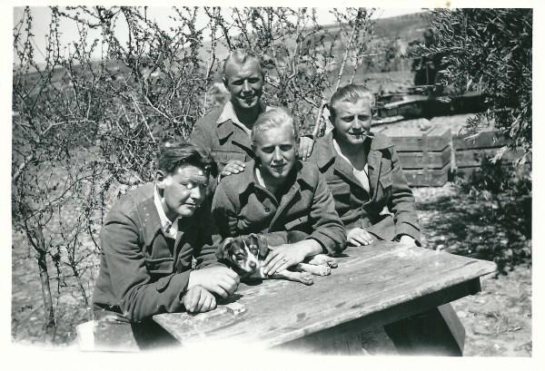 Hans Petersen, Harald, Kai y Aage Nielsen en Albacete, alrededor de febrero y marzo de 1937