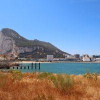 3 Stranden met uitzicht op de rots van Gibraltar