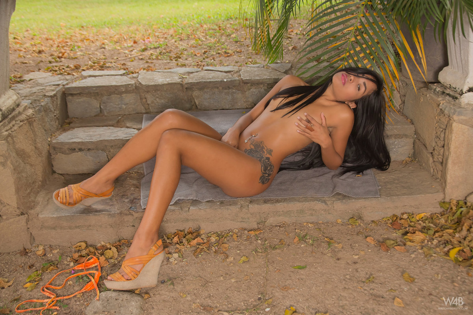 Amber - Watch4Beauty - Roses From Caracas - 6