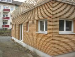 Lärche Holzverkleidung auf Außenwanddämmung Fenster Liefern und Montieren