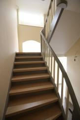 Treppenrenovierung Treppensanierung Maßgeschneidert mit Echtholzauflage
