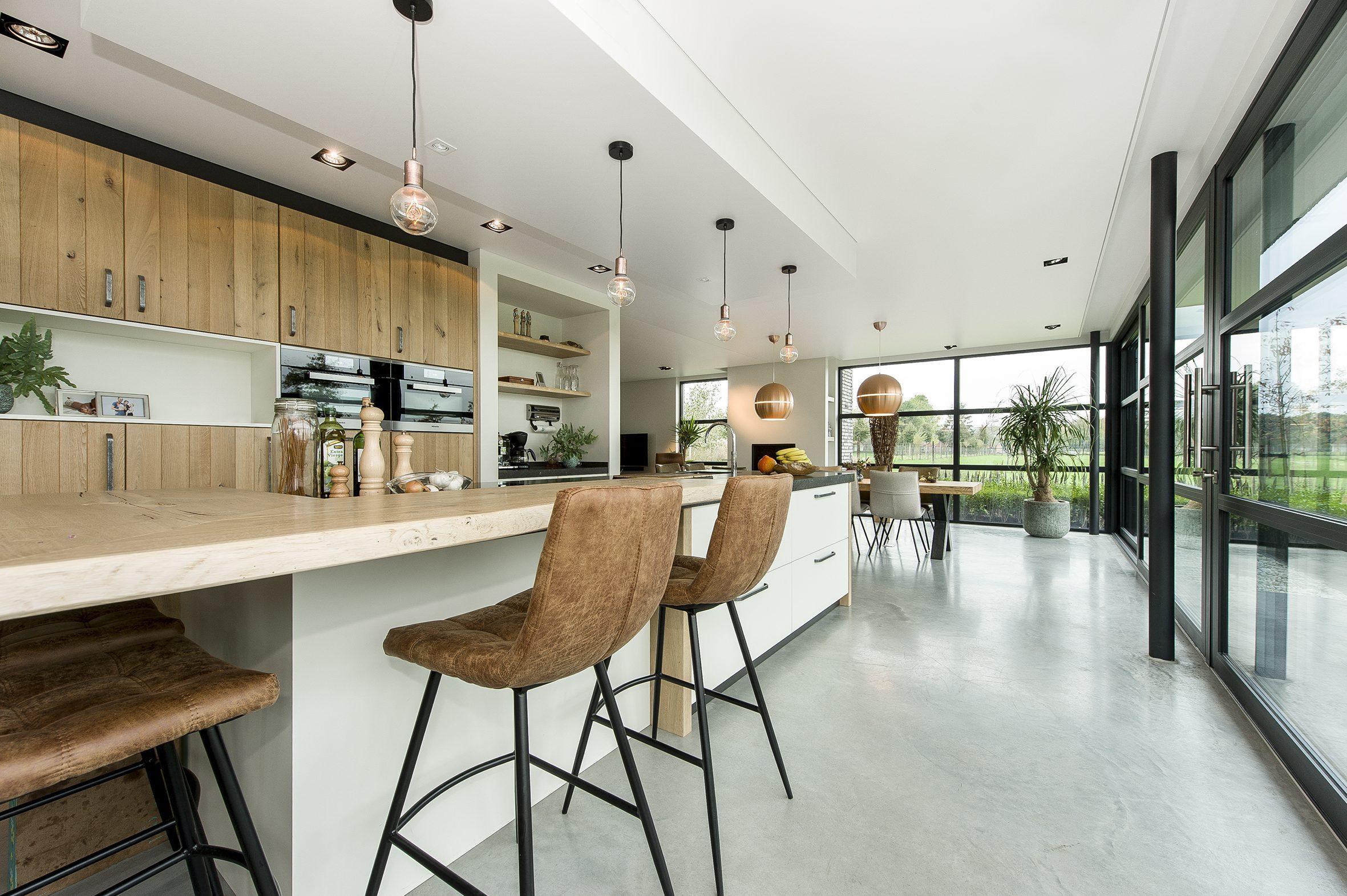 Spanplafond in een keuken een van de voordelen van een spanplafond is dat het akoestiek enorm verbeterd
