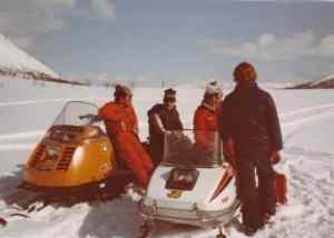 Løypekjørerne på det aller første Spanstind Rundt i 1984.