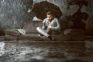 Ob nun durch einen Wasserschaden, Feuer oder durch Sturm Ihr Hausrat, oder Ihr Sachinhalt (gewerblicher Hausrat) zerstört wird ist egal. Die Hausratversicherung / Sachinhaltsversicherung ersetzt den Neuwert oder Wiederbeschaffungswert. Genau deswegen ist eine Hausratversicherung / Sachinhaltsversicherung Gold wert.