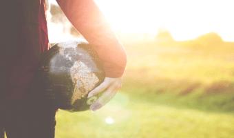 Natürliche Menstruation: wie Du als Frau die Welt retten kannst…