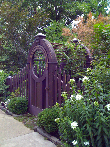 Garden Gate Gorgeous | Spark Interior Style on Gate Color Ideas  id=29667